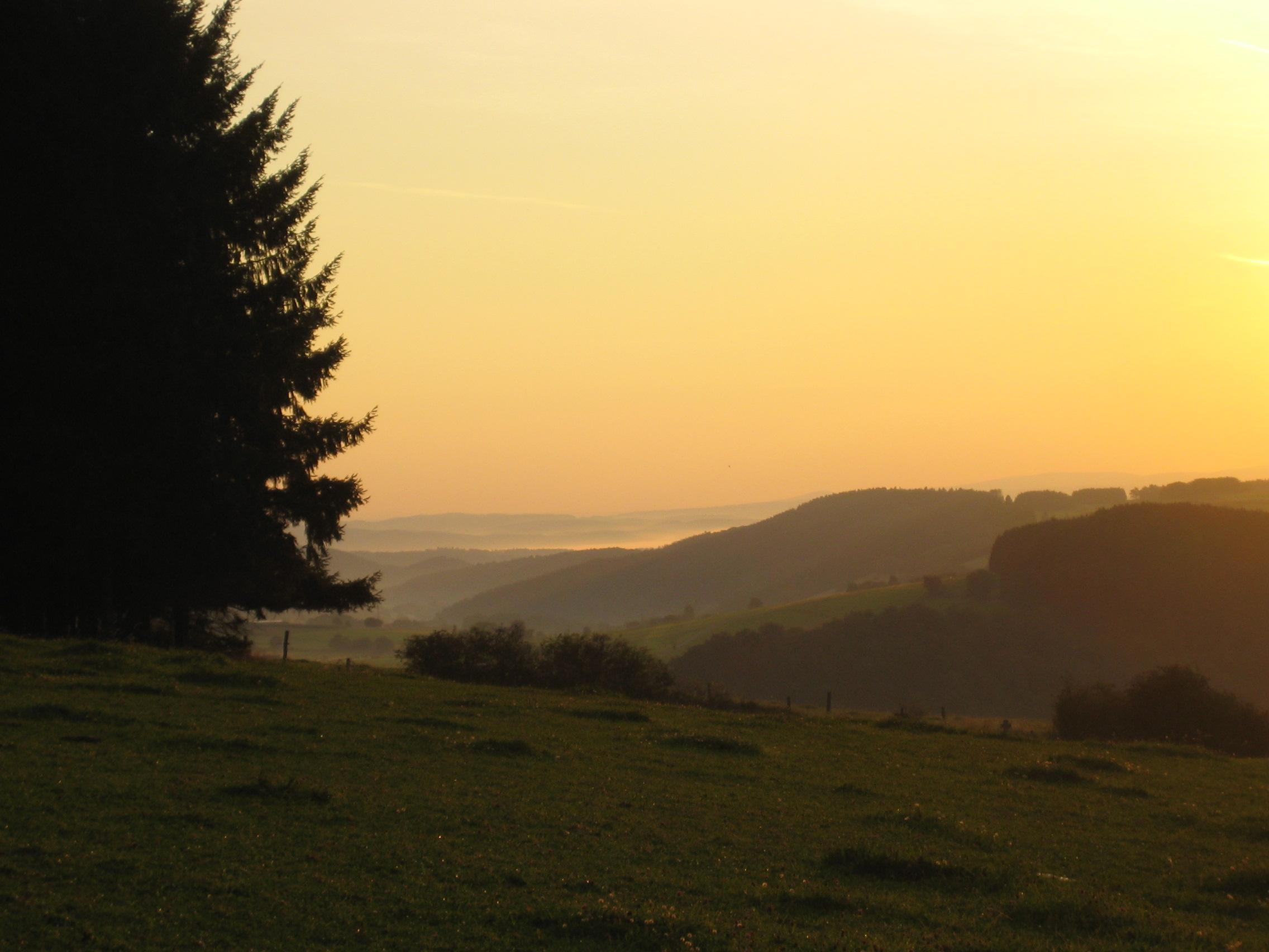 Sonnenuntergang über dem Hochsauerland